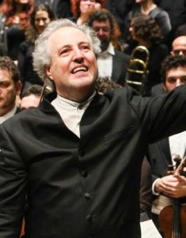 מנפרד הונק אמש בפילהרמונית. צילום: עודד אנטמן