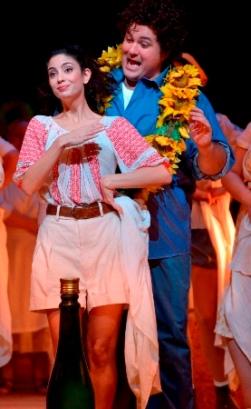 """ענת צ'רני וסטפן פופ ב""""שיקוי אהבה"""" באופרה הישראלית. צילום: Yossi Zwecker"""
