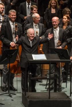 דניאל ברנבוים והפילהרמונית של וינה בפסטיבל זלצבורג. צילום: Marco Borrelli