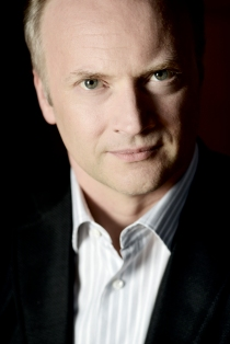 Gianandrea Noseda Photo Sussie Ahlburg 2012 (1).jpg