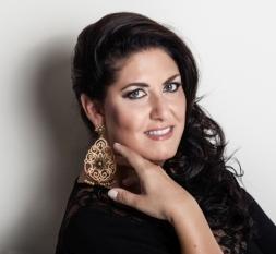 Anna Pirozzi, soprano photo Victor Santiago